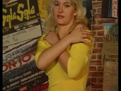 Blondine Wird Gefickt - Im Vintage Stil
